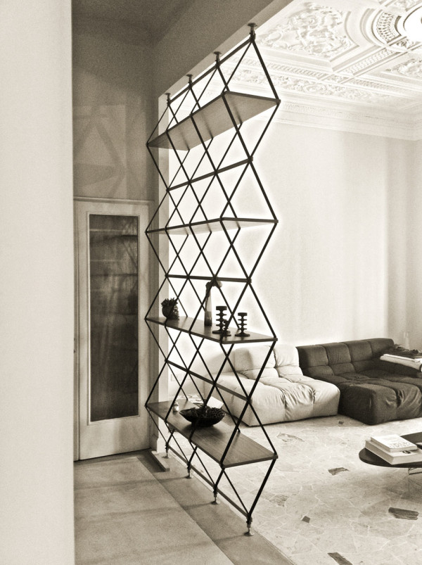 Romboidale-bookshelf-divider-solution-pietro-russo