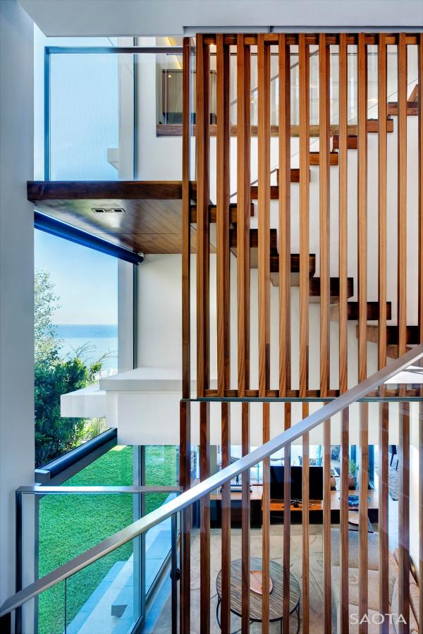 SAOTA-H1816-House-13-Stair