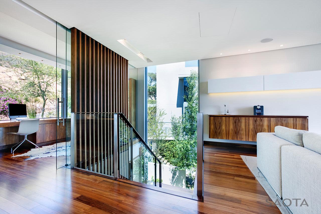 SAOTA-H1816-House-15-Stair