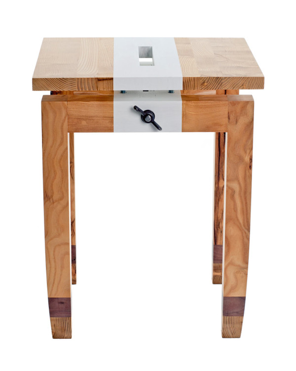 daniel-moyer-design-workshop-chic-table-mulberry-stripe