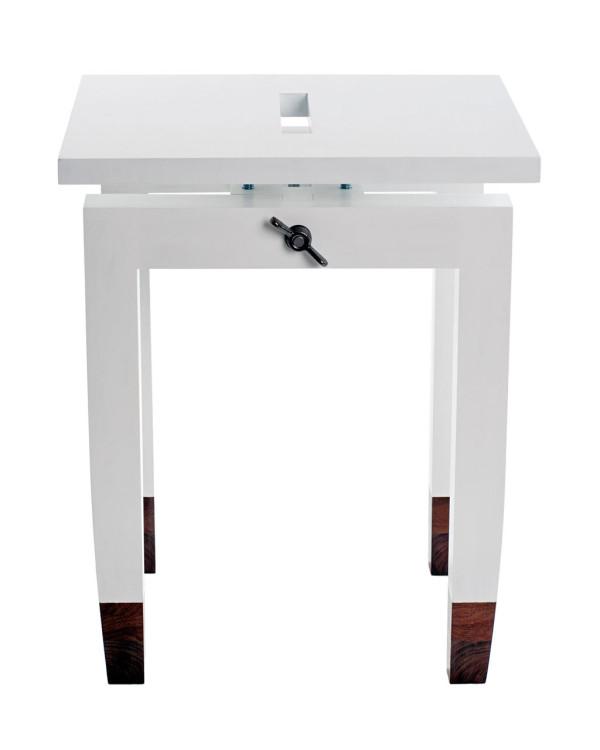daniel-moyer-design-workshop-chic-table-white