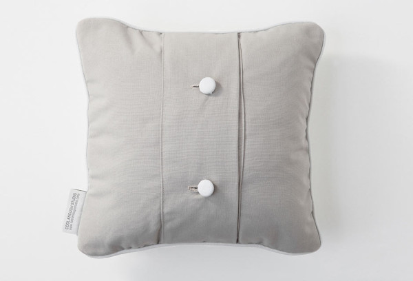 huhu-cushion-woven-white-back