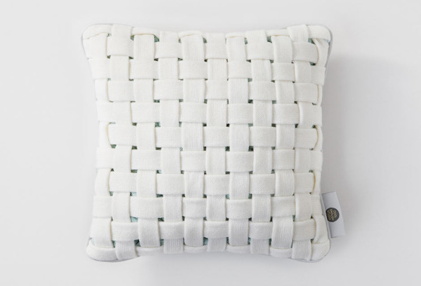 huhu-cushion-woven-white-front
