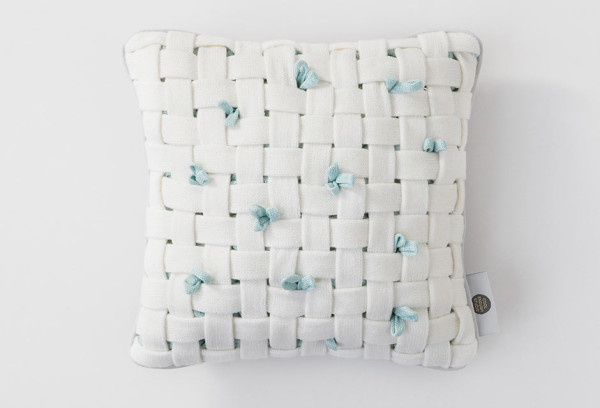 huhu-cushion-woven-white-open