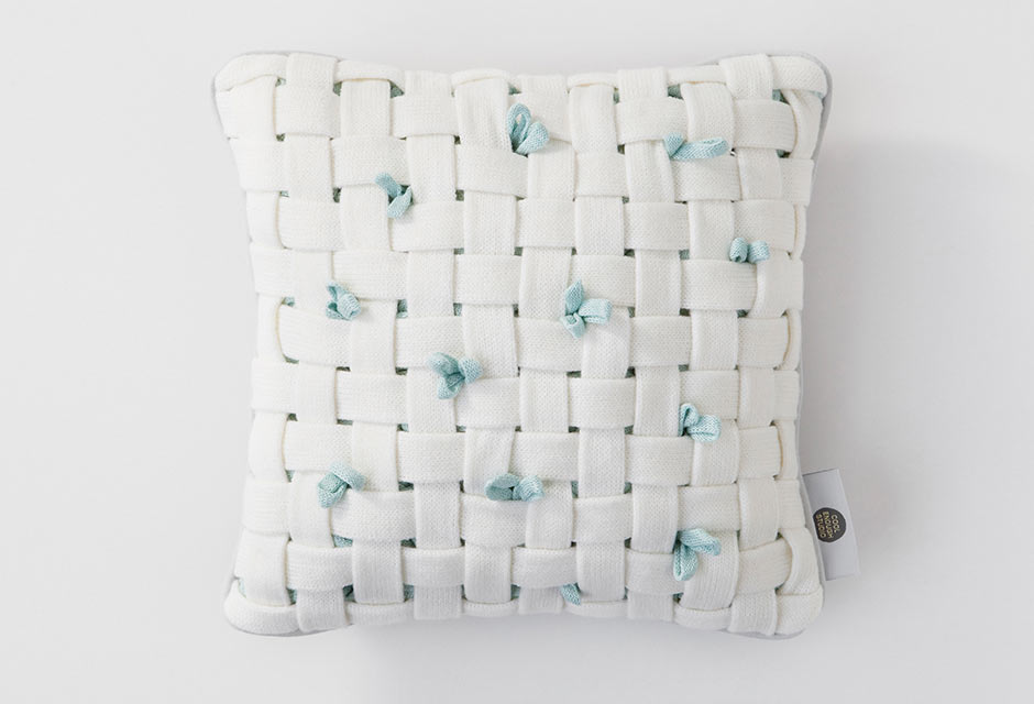 huhu-cushion-woven-white-open
