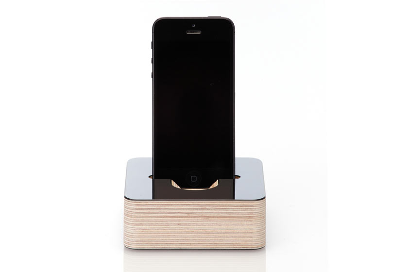 Germanmade Minimalist iPhone 5 Dock