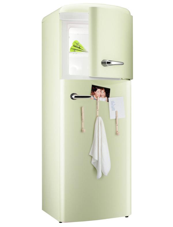 jpegs-j-clothespin-hooks-fridge