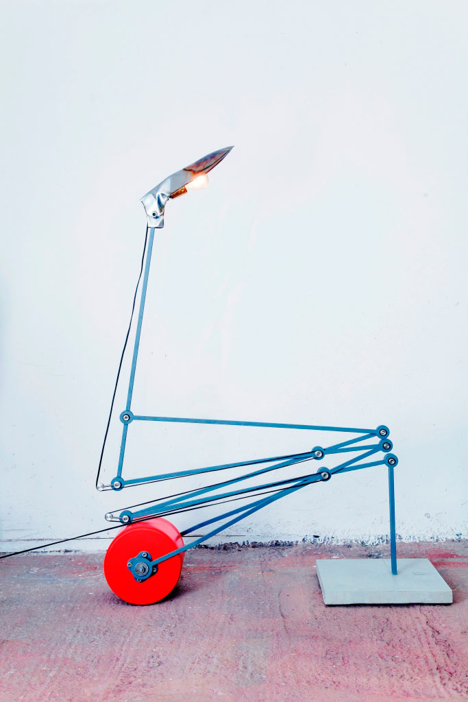 magenta-studio-lighting-autonomists-crane-lamp