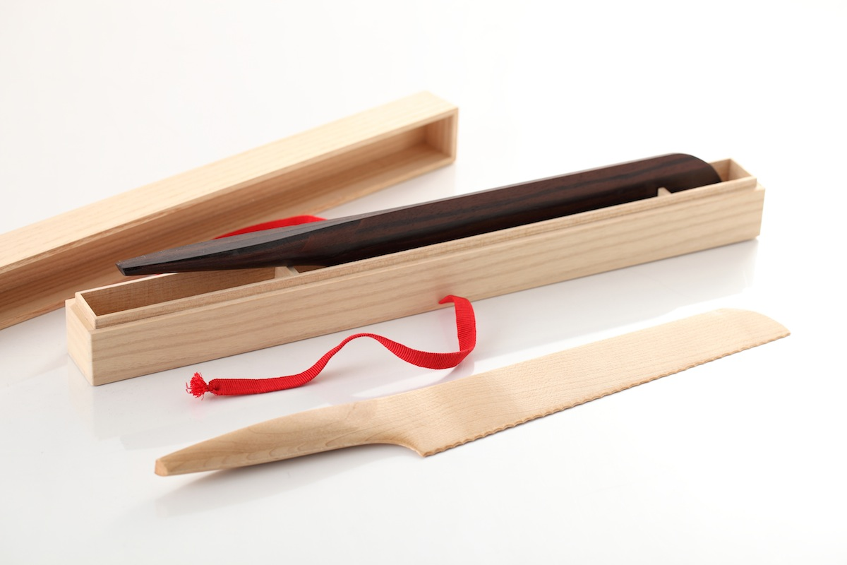 minimalist-wood-knives-japanese-maple