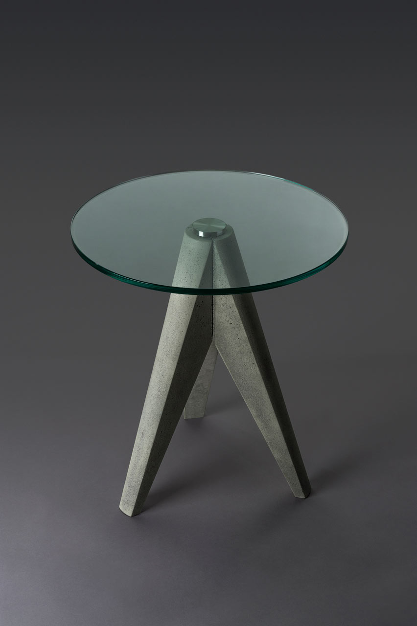 regular-tristan-table