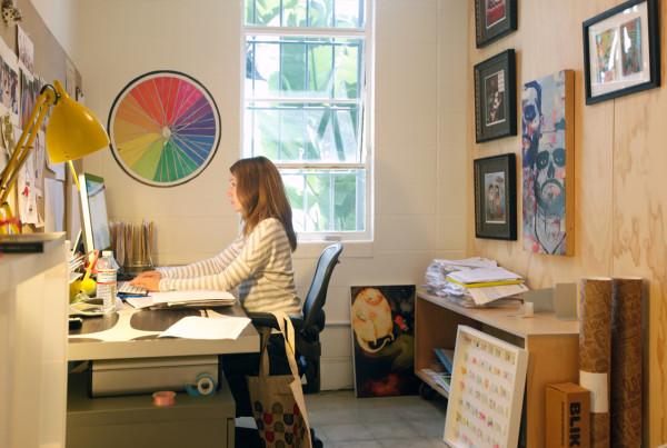 work-blik-jerinne-in-office