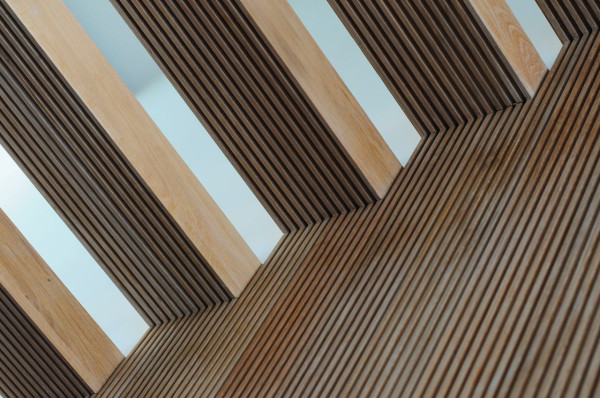 HomeMade-Bureau-de-Change-9-stairs