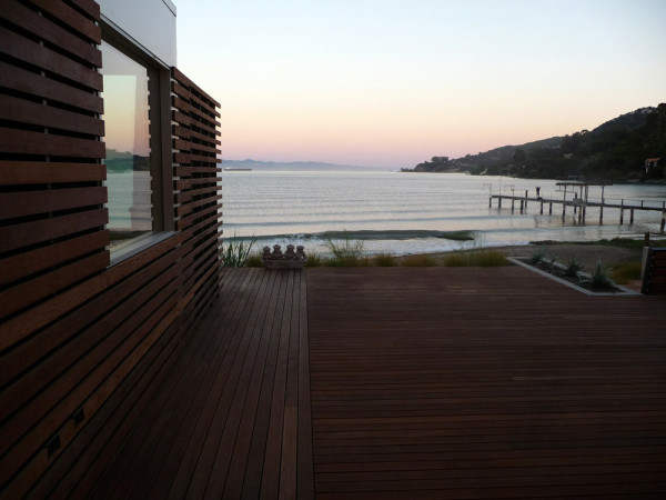 House on the Bay by Andrea Ponsi with Jensen Architects in main architecture  Category