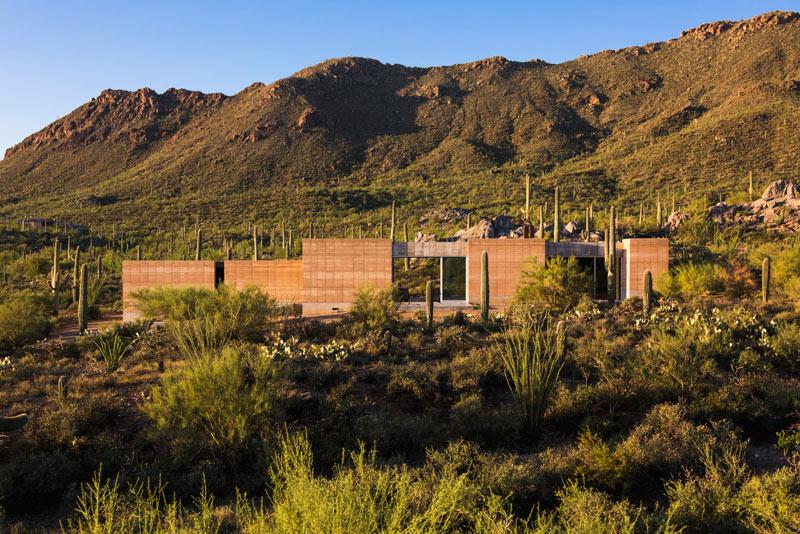 Take In The Mountain Views: Tucson Mountain Retreat by DUST