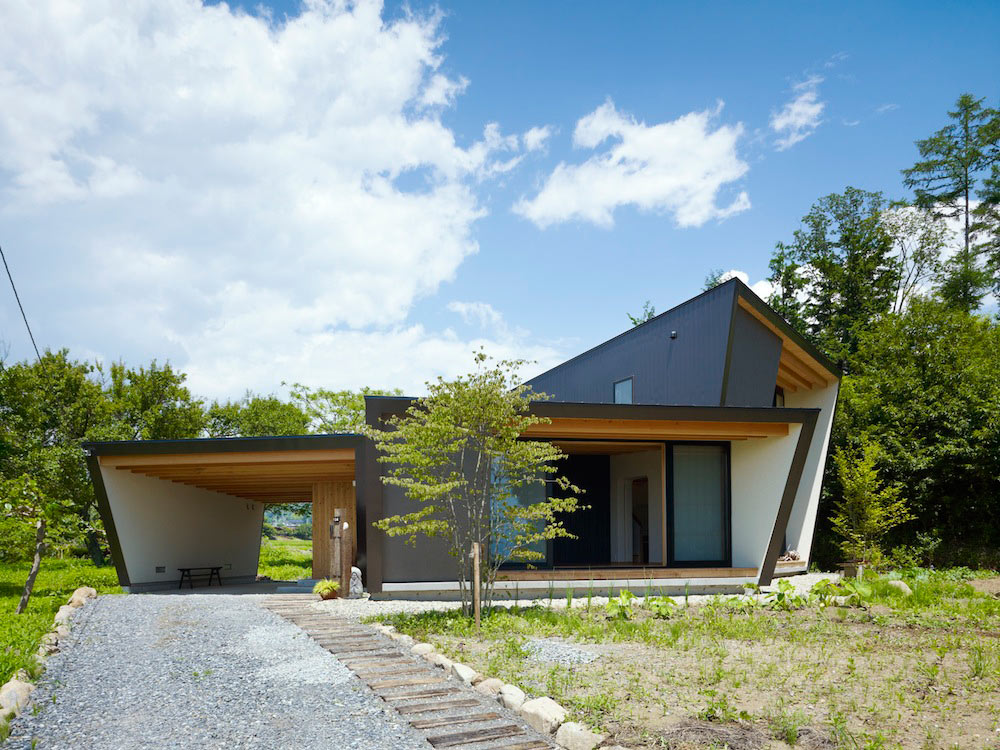 A Villa with a Farm by MDS