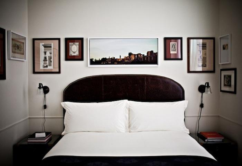 dest-nomad-bed-with-art