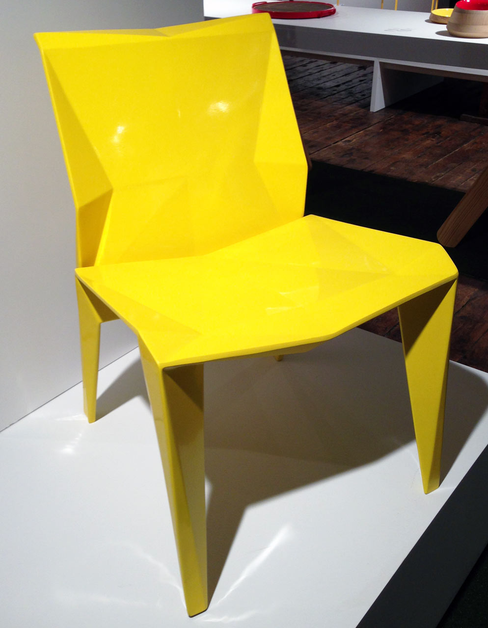 folded-fiberglass-chair-roberto-dumont