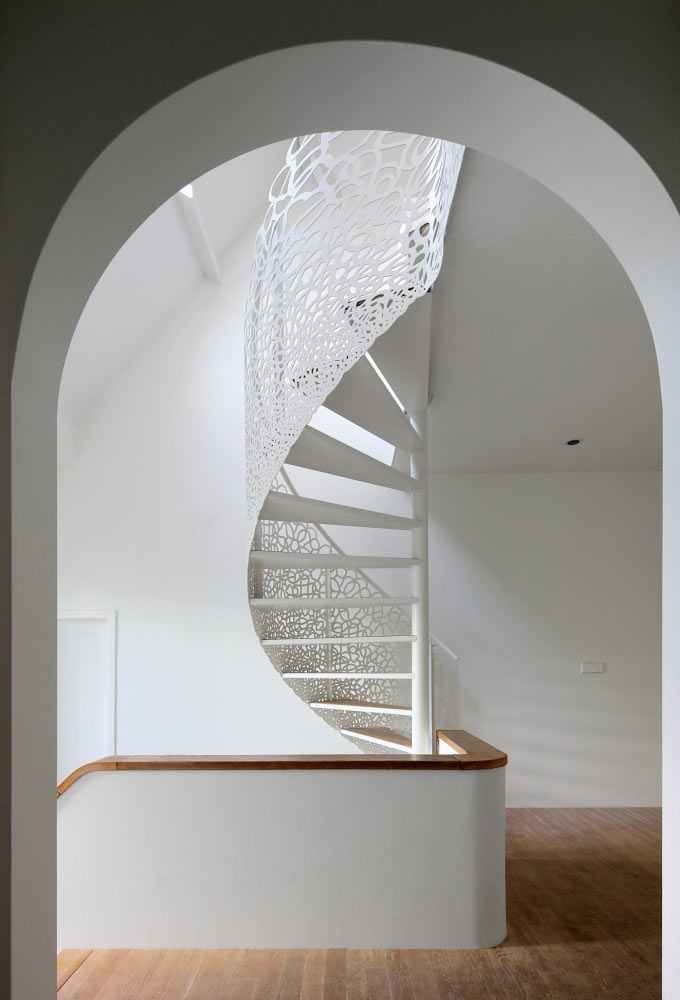 house-n-maxwan-modern-staircase-lattice-2