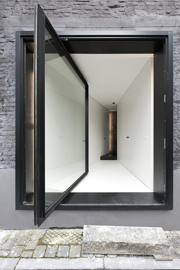 An Alternative to the Sliding Door: 12 Pivot Doors Leading to Patios in main interior design architecture  Category