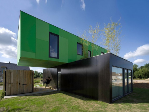 Storage Crate Homes 12 homes made from shipping containers - design milk