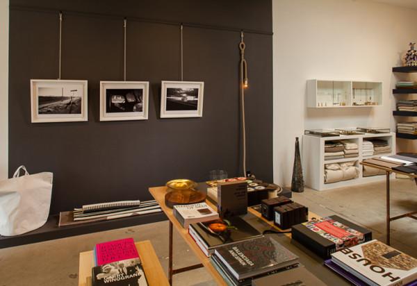 storey-garde-interior-tables-photos