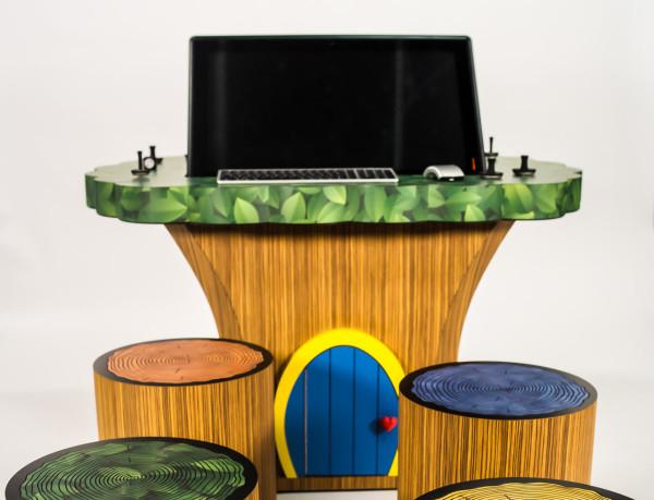 treehouse-lenovo-desk-computer-design