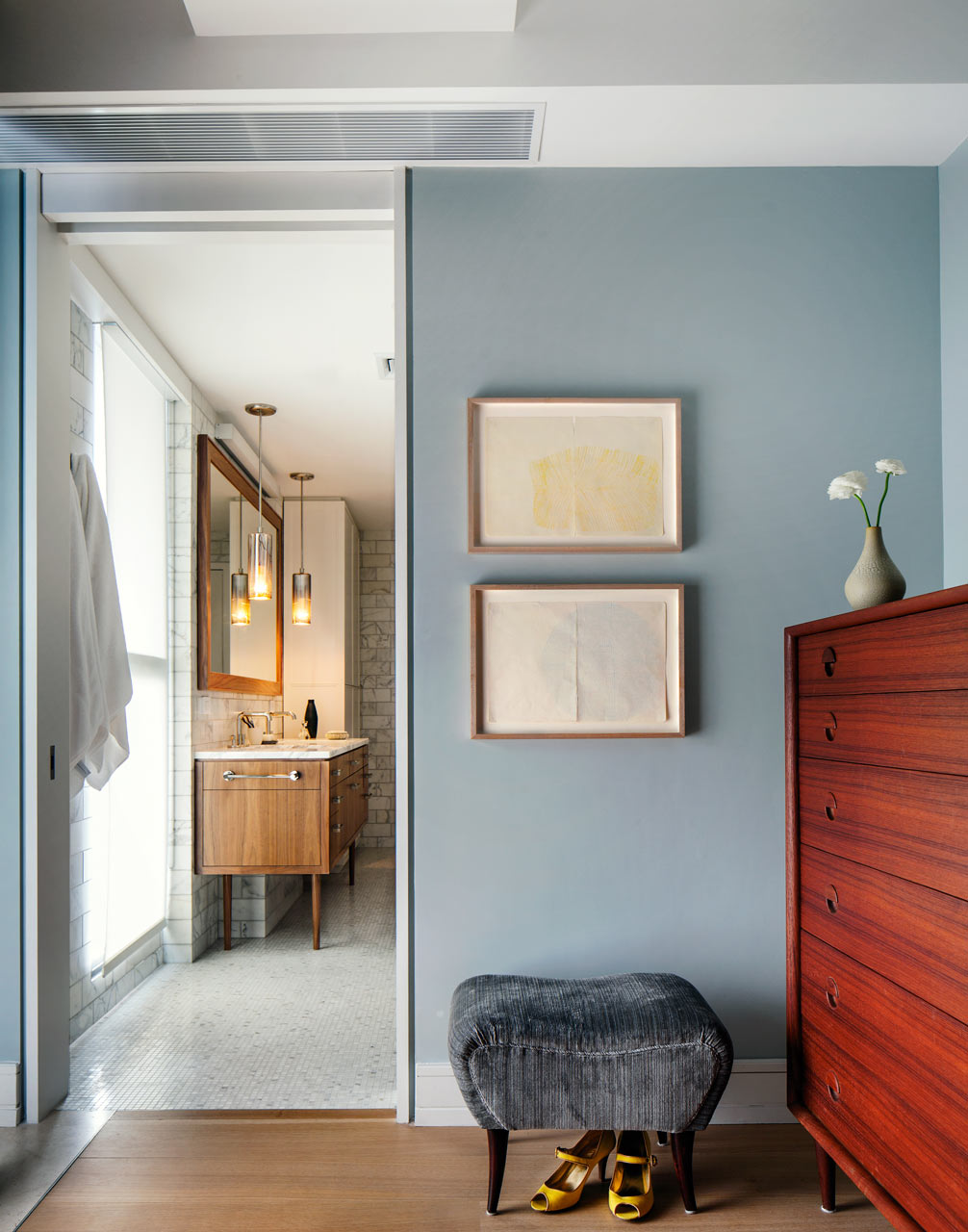 66-9th-Ave-EcoFriendly-Apt-15-master-bed-bath