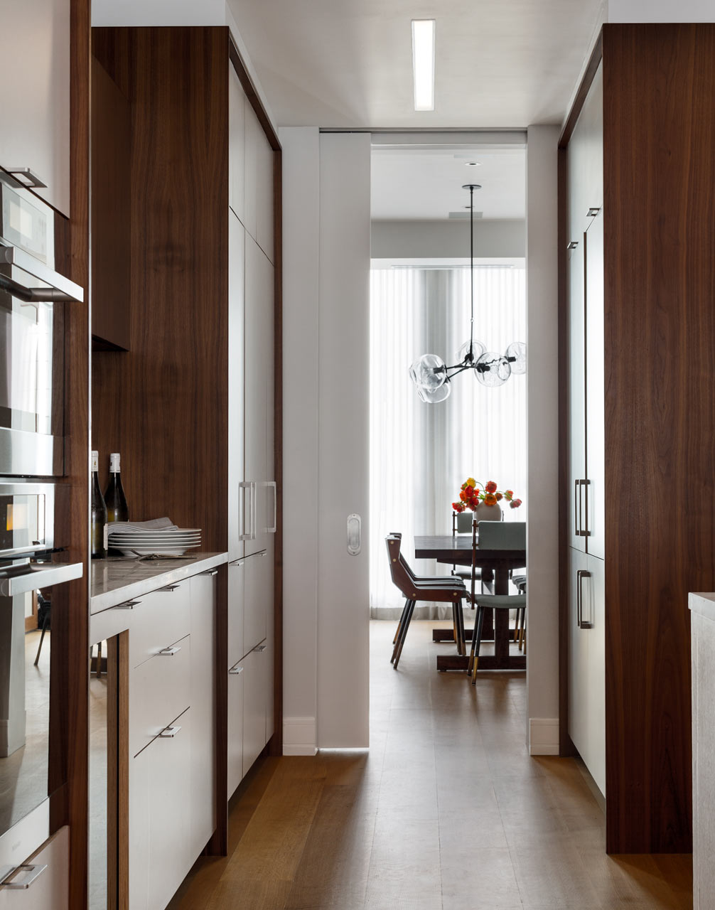 66-9th-Ave-EcoFriendly-Apt-6-kitchen-passageway