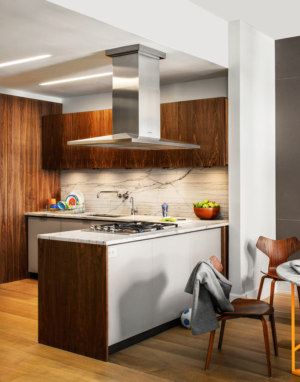 66-9th-Ave-EcoFriendly-Apt-8-kitchen