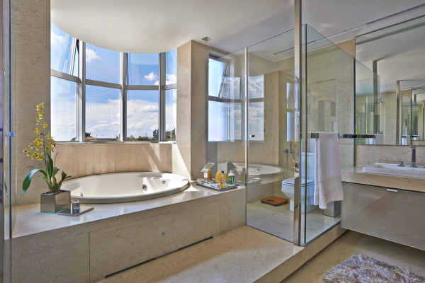 Apartment-LA-David-Guerra-modern bath