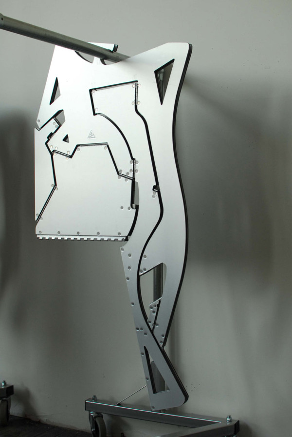Decon-Folditure-14-hanging