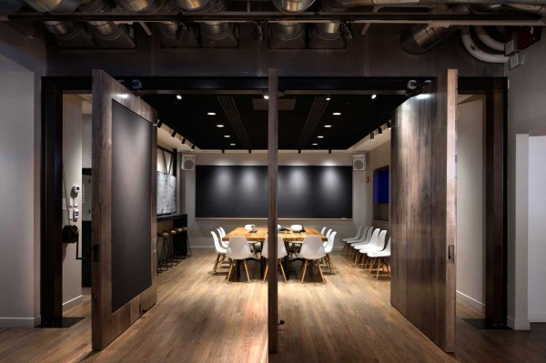 A Space That Encourages Collaboration: ICRAVE\'s NYC Office - Design Milk
