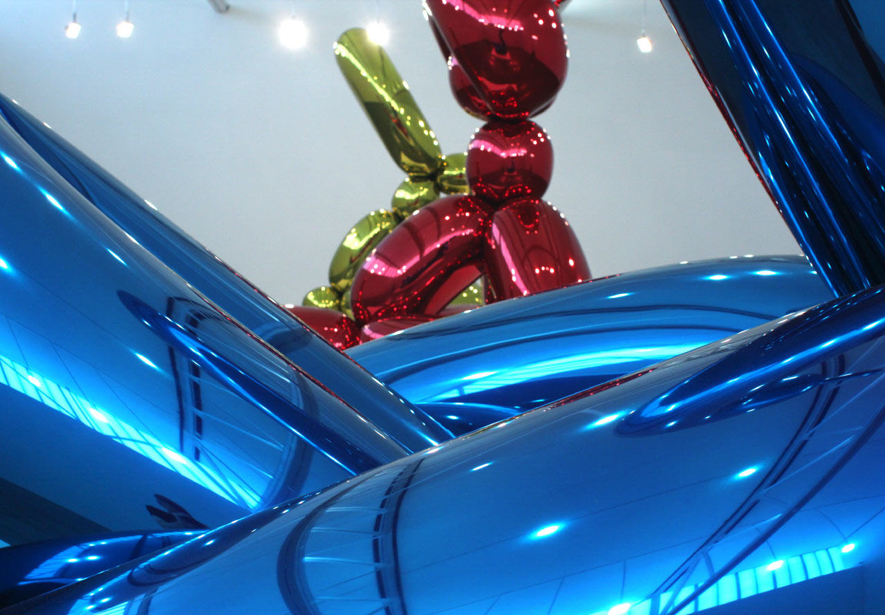 """JEFF KOONS: New Paintings and Sculpture"" at Gagosian Gallery. Installation view. © Jeff Koons. Courtesy Gagosian Gallery."