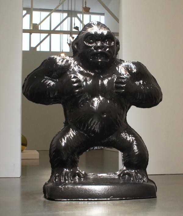 "JEFF KOONS ""Gorilla"" 2006-2012, Black granite.  © Jeff Koons. Courtesy Gagosian Gallery."