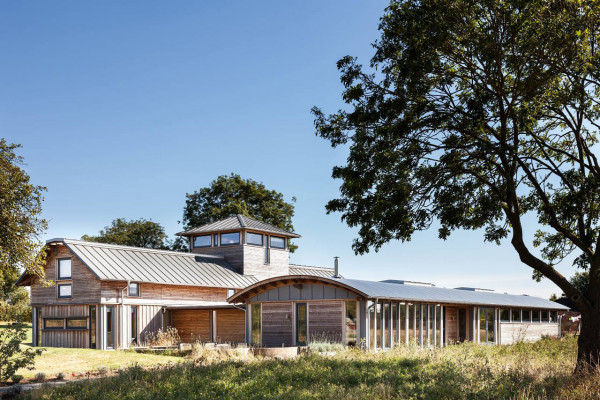 WWII Airbase Becomes a Farmhouse in main architecture  Category