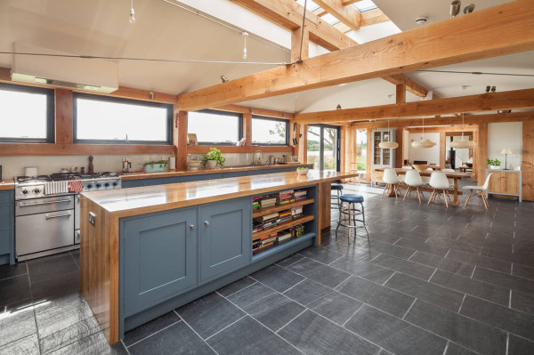 WWII-Airbase-Farmhouse-8-kitchen