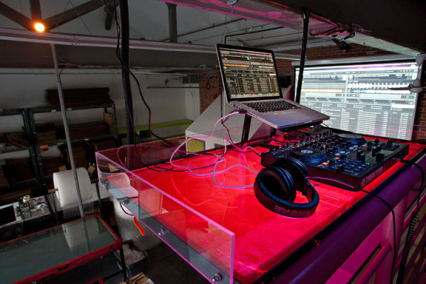 Work-CanvasPop-13-DJ-booth