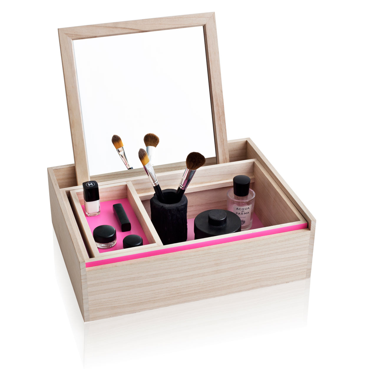 Balsabox Modern Jewelry Box by Nomess Copenhagen