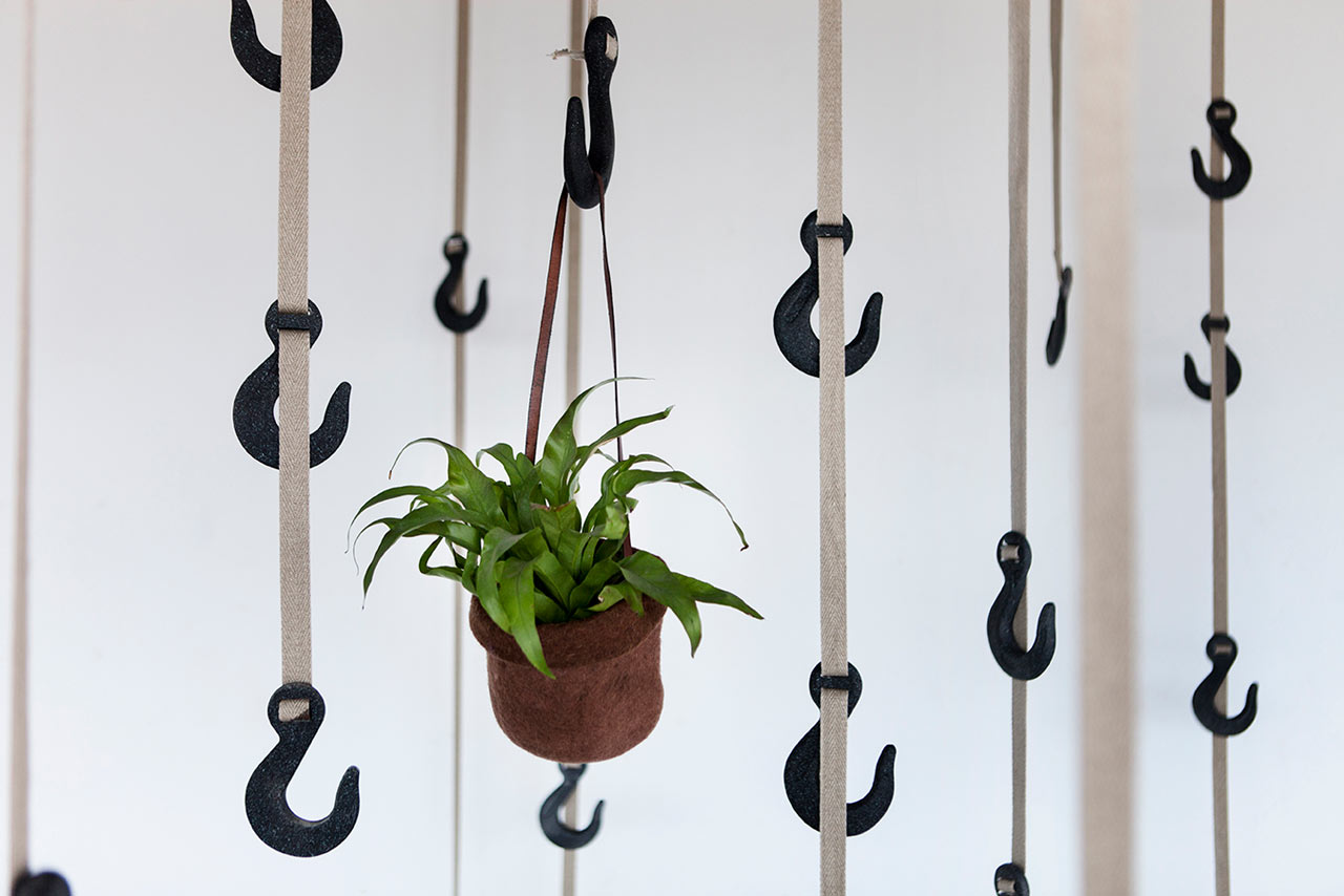 Grapple Coat Hanger Made from Grass