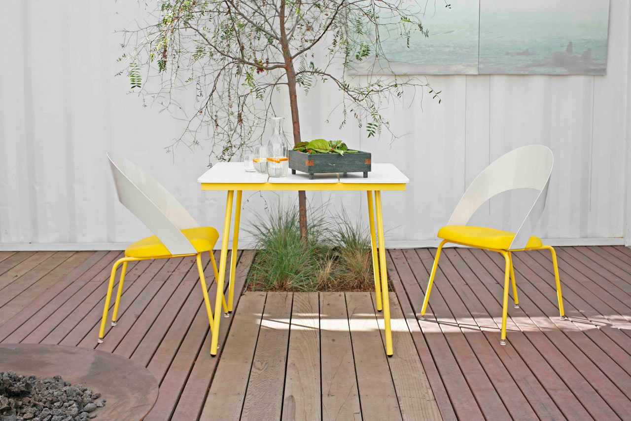 modern-outdoor-leaf-table-lemonade