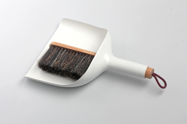 modern-sweeper-and-dustpan-jan-kochanski-