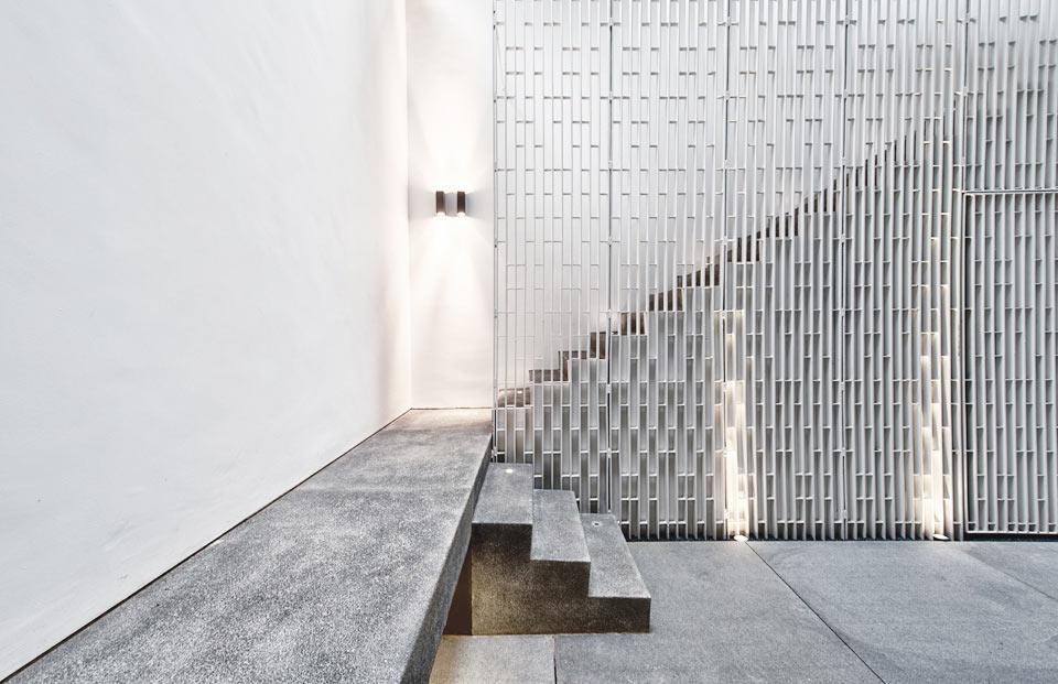 modern-wall-house-farm-15