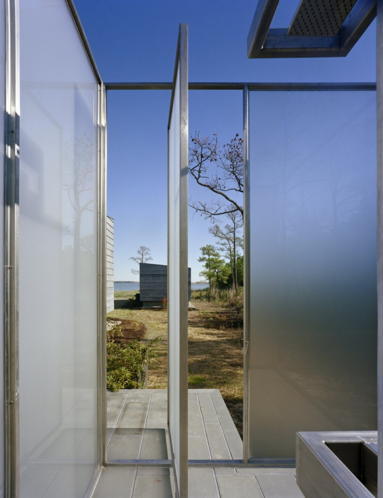 shower for air en platform plein glamping gardenista napa bathing from camping posts book outdoor ideas showers valley