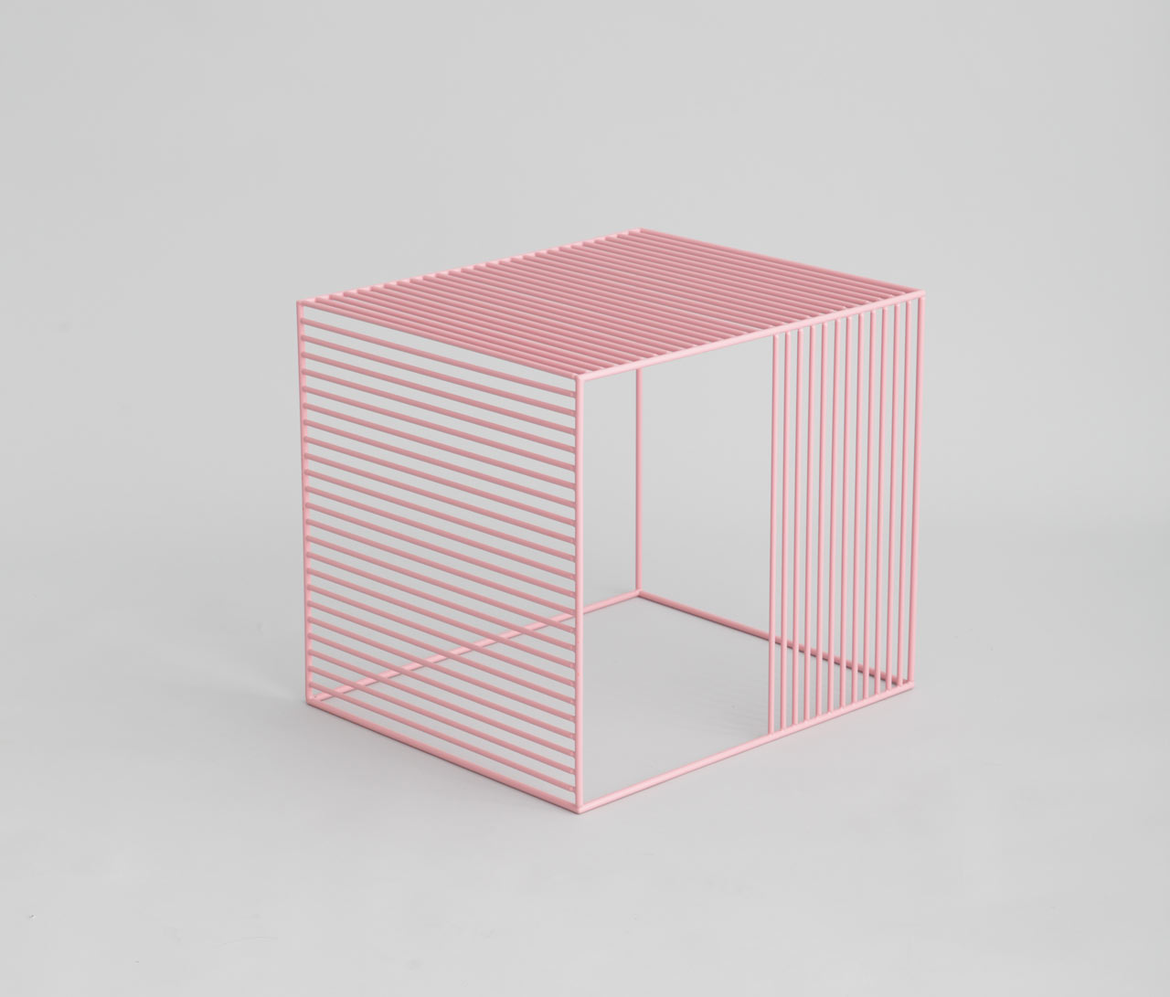 pink-wire-table-iacoli-mcallister