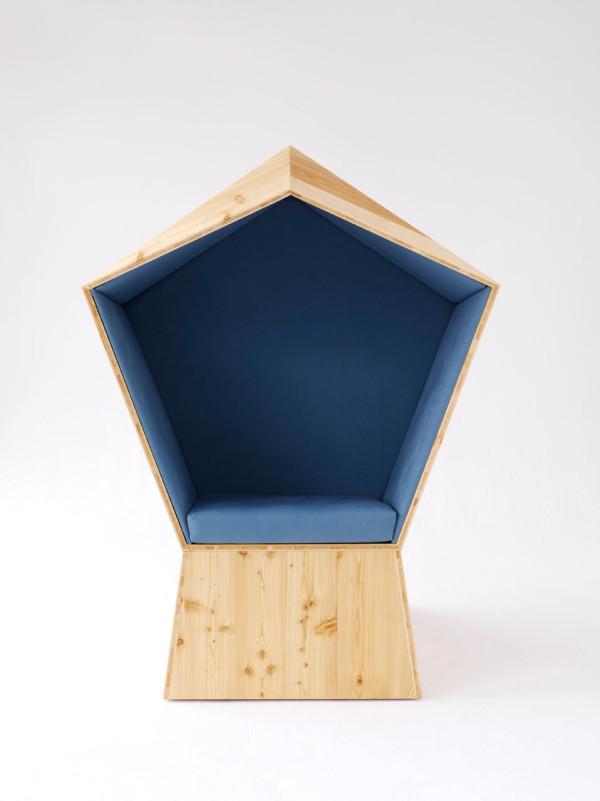 quiet-coworking-chair-tilt-front-studio