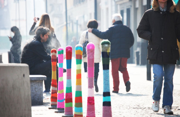 yarn-bombing-knitta-milan