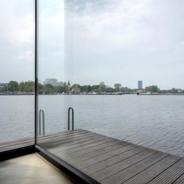 6-WelcomeBeyond-ModernHouseboat