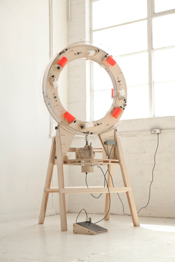 Anton_Alvarez-Thread-Machine-1