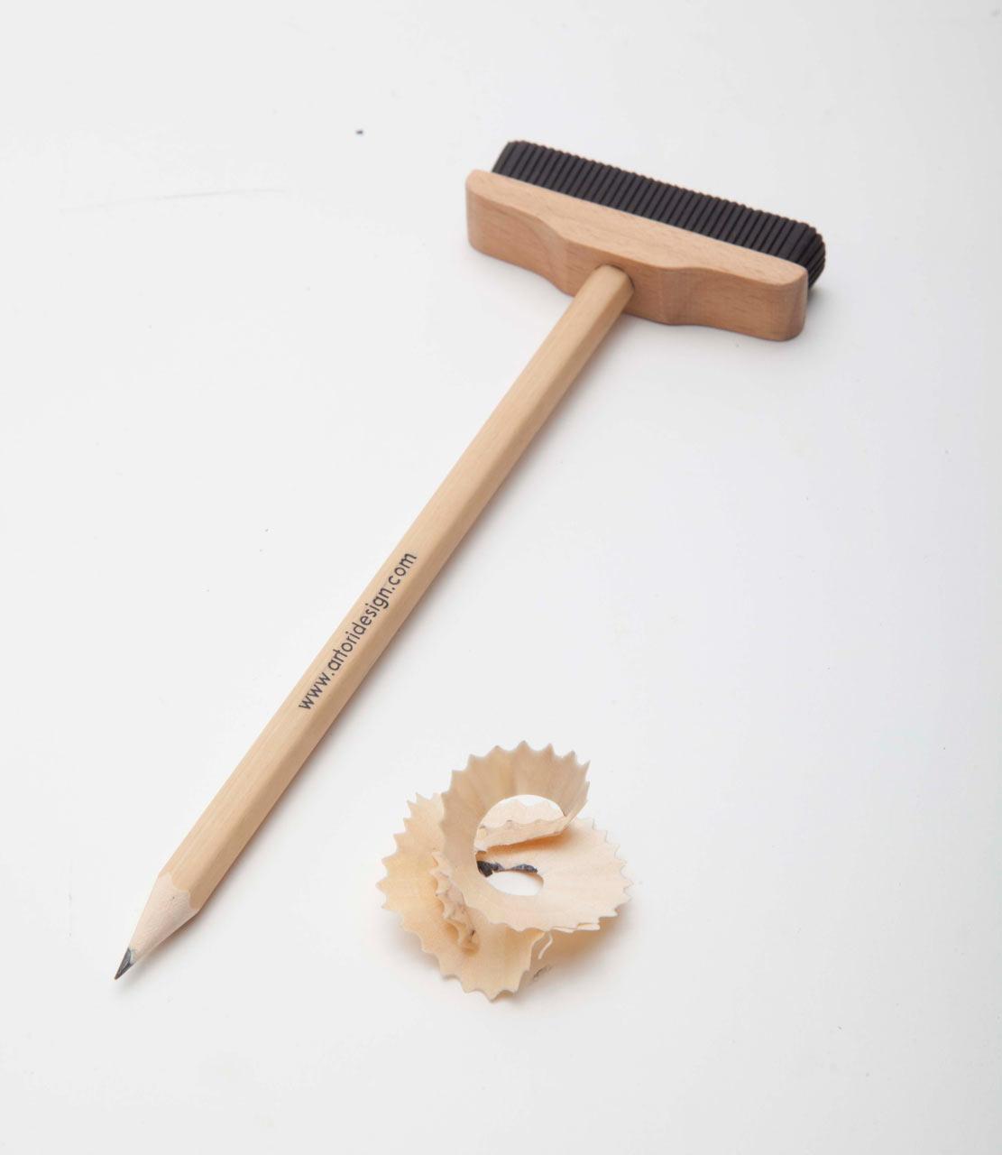 Artori-Design-3-Pencil-Broom
