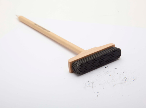 Artori-Design-4-Pencil-Broom